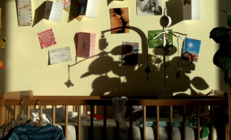 ベビーベッドのある部屋