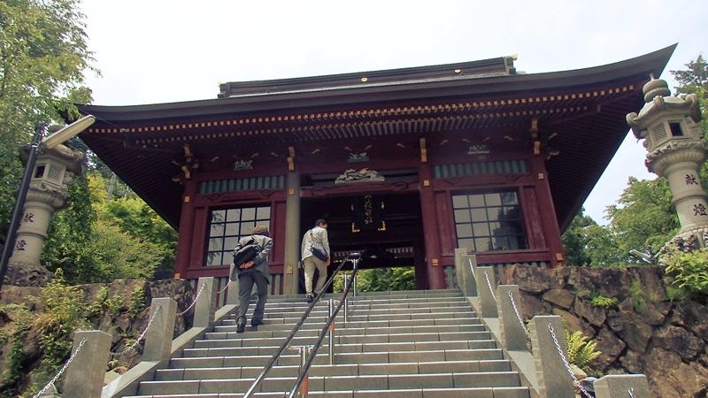 武蔵御嶽神社、正門